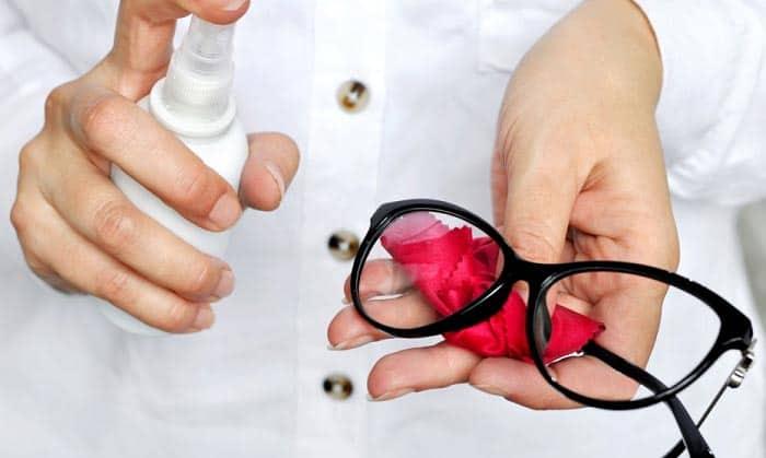 best-eyeglass-cleaner